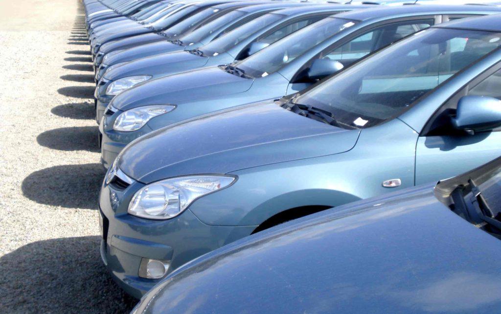Parc stockage de voiture transports rabouin